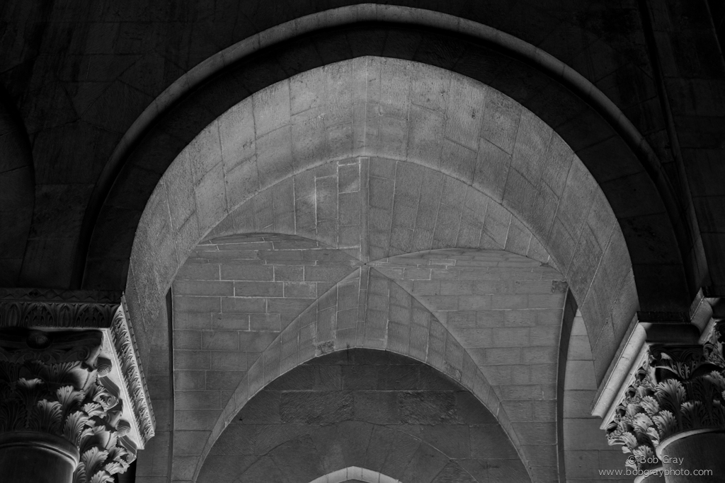 Arch in black and white